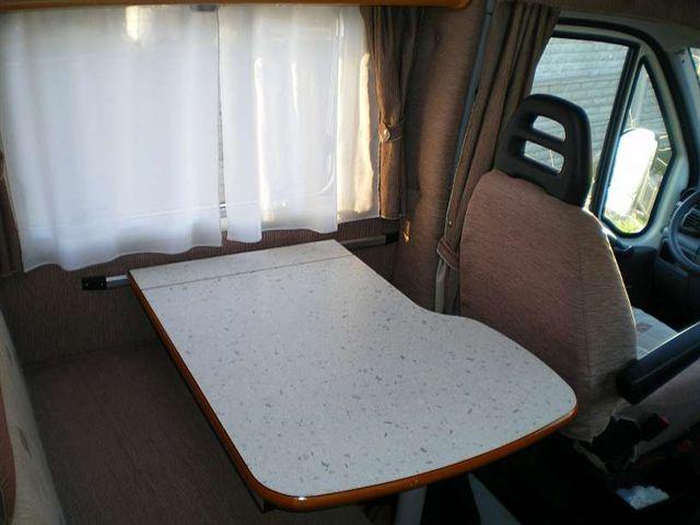 Składany i rozsuwany stół